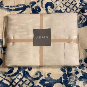 🎁 AERIN standard pillow sham